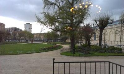 03 31 Mairie Bx 10 jardin