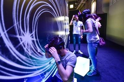 vivre-une-journee-de-formation-a-partir-de-l2019exposition-luminopolis-cap-sciences